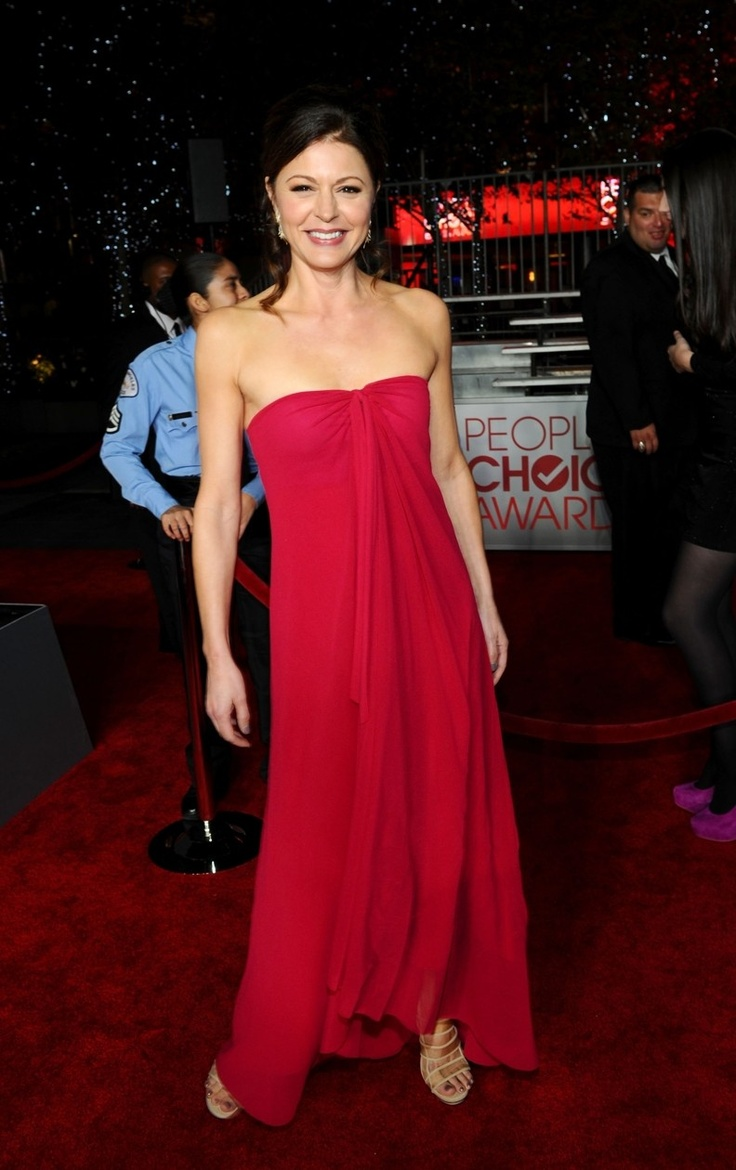 Jane Leeves Lady In Red Hot In Cleveland Red Carpet