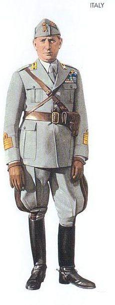 WWII Royal Italian Army officers' summer service uniform.