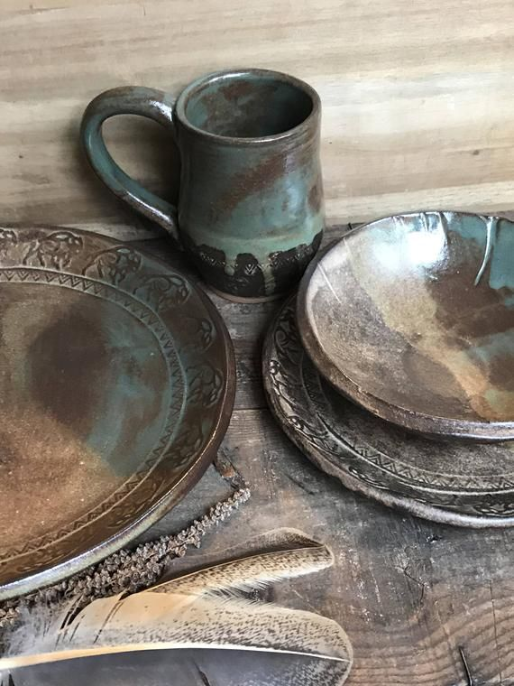 Wild Buffalo Dinnerware Set Including
