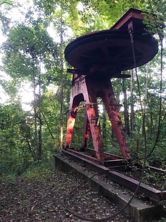Abandoned ski lift at a closed ski resort at Mill Ridge in Foscoe North Carolina [1334 x 750].