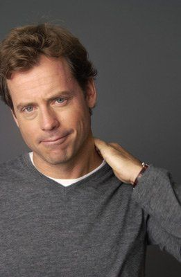 I adore you Greg Kinnear, awesome actor!