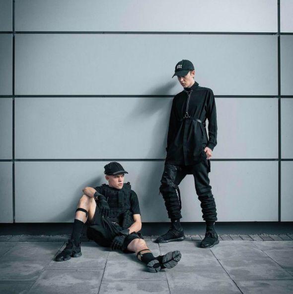 Cyberpunk & techwear als antwoord van de mode wereld op het genre Science Fiction - Foto via @maas_dust