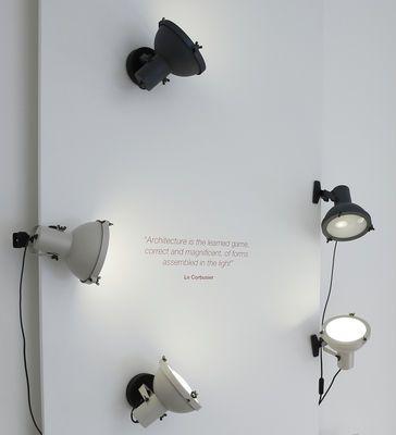 Lampe à pincer Projecteur 165 by Le Corbusier / Réédition 1954 Marque :  Nemo Designer :  Le Corbusier