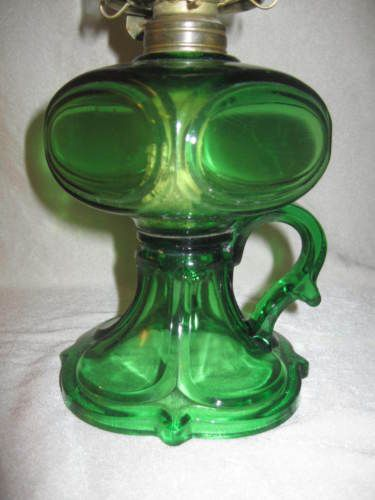 Vintage-Antique-Emerald-Green-Finger-Kerosene-Oil-Lamp-w-Original-Shade-NICE