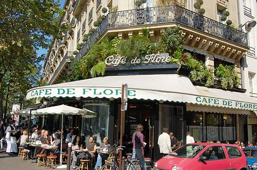 Café de Flore - Famous but can be very packed