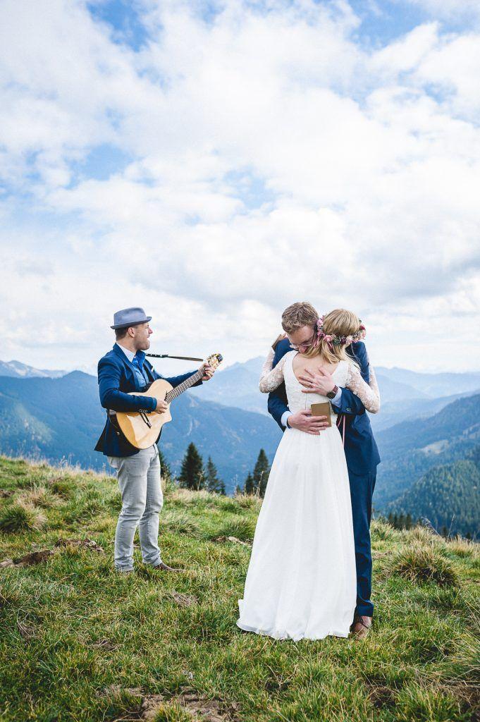 Standesamtliche Hochzeit Zu Zweit In Den Winterlichen Bergen