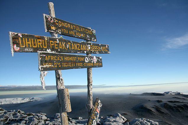 Jeder kennt seinen Namen: Der #Kilimanjaro ist der höchste Berg Afrikas. Warum er eine solche Faszination auf die Menschen ausübt, lest ihr in unserem #Blog: http://www.africa-royal-tours.de/reiseblog-afrika/kilimandscharo-besteigung/