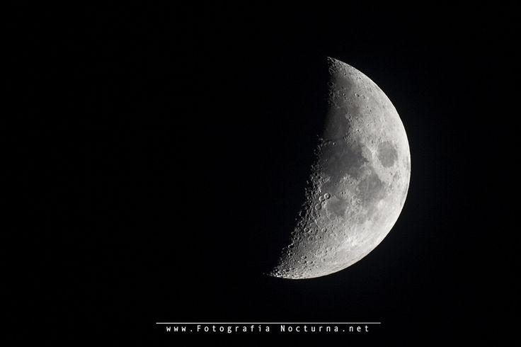 https://flic.kr/p/UNKV2o | Luna en cuarto creciente - MTO1000A | La luna en fase cuarto creciente a 1100 mm #Lunacreciente desde #Cantabria #fotografíanoctuna #fotógrafonocturno #Cantabrianocturna #MTO #MTO1000A #1100mm