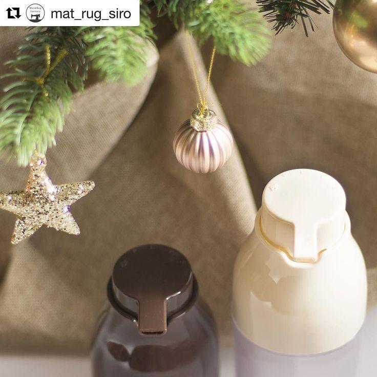 @mat_rug_siro  子供の頃クリスマスプレゼントは ツリーの下に用意されていましたか それとも枕元でしたか 私の家ではヒントを書いた紙が置かれていて 家中を探し回るルールでした 寒い中倉庫まで探しに行って見つけたときの 喜びはおとなになっても覚えています . .  PLYS ディスペンサー 詳細はTOPページもしくはこちらから @mat_rug_siro  . . #mat_and_rugfactory #マットラグ #くらしにプラス #オカ株式会社 #ホワイトインテリア #白が似合う #ホワイト #北欧インテリア #北欧 #北欧デザイン #シンプルな暮らし #丁寧な暮らし #シンプルライフ #マイホーム #収納 #PLYS #PLYS事業部 #プリス #洗面 #ディペンサー #詰め替えボトル #詰め替え #シャンプーボトル #バスルーム #洗面所 #ナチュラルインテリア #北欧ナチュラル #クリスマス #オーナメント #冬色のある暮らし