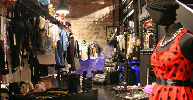 VIeni a fare #shopping in una nuova boutique, unconventional, rock, vintage, #fashion?   #Bcomebellezza è in piazza Giovanni da Triora 15, a #Roma #Garbatella. Vieni a trovarci dal martedì alla domenica, dalle 18.