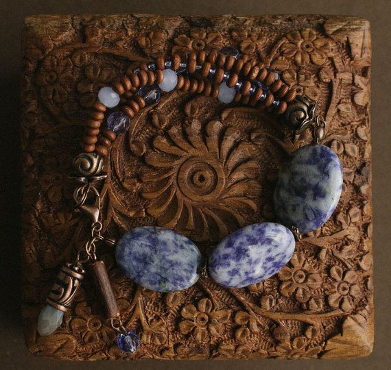 Warm Blue bracelet with wood and stone от TaigaTheBorealForest