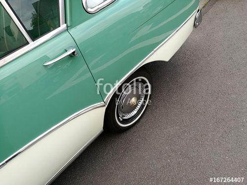 Opel Rekord P1 Oldtimer der Fünfziger Jahre in zeitgenössischer Zweifarbenlackierung bei den Golden Oldies in Wettenberg Krofdorf-Gleiberg bei Gießen in Hessen