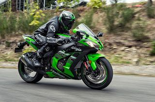 2016-spec ZX-10R is festooned with serious go-faster goodies...