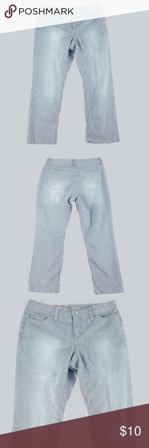 """New Directions Womens Capris 10 Railroad Stripe New Directions Womens Capris 10 Railroad Stripe Cotton Stretch Blue White  Excellent condition  Seam to seam across waist: 16.5"""" Rise: 9.25"""" Inseam: 24.5"""" Top of waist to bottom (length): 34"""" new directions Jeans Ankle & Cropped"""
