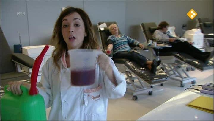 Afl.: Bloed. Wat is bloed? Waarom is bloed rood van kleur? Wat zijn bloedgroepen? En hoe komen ze tijdens een operatie aan bloed? Lisa komt het allemaal te weten in deze bloedstollende aflevering!