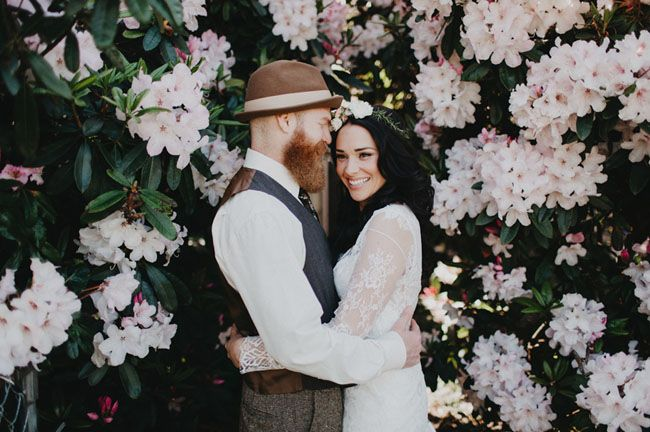 https://greenweddingshoes.com/vintage-modern-portland-wedding-at-union-pine-janette-jeff/