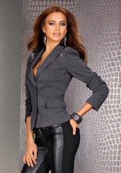 Где в москве можно купить приталенный кожаный женский пиджак