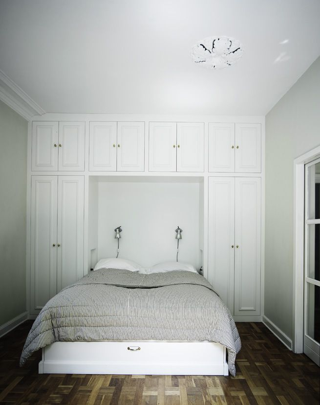 Check out the built in closet around the bed...G's room someday