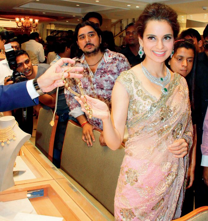 Kangana Ranaut at the opening of a jewellery store in Mumbai. #Bollywood #Fashion #Style #Beauty