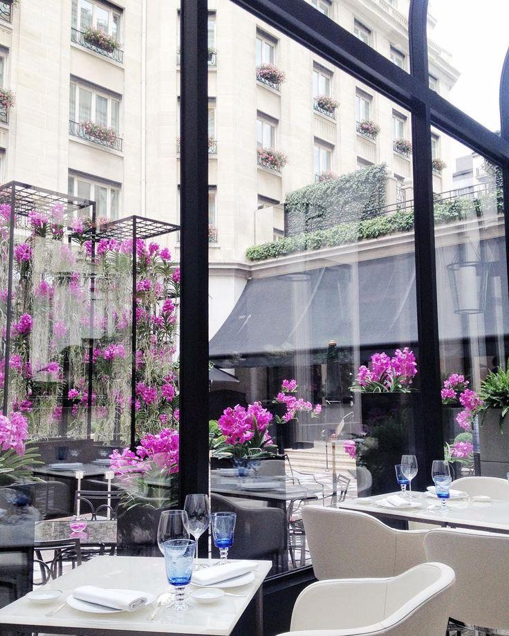 Lunch in Le George's Veranda, photo by @ marionrocks