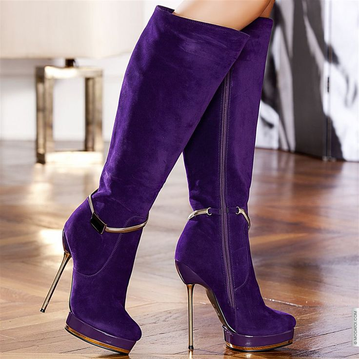 Bottes à talons hauts violet femme elasthomère talons de 14 cm taille 35, en vente sur la boutique en ligne Modatoi. Achetez en