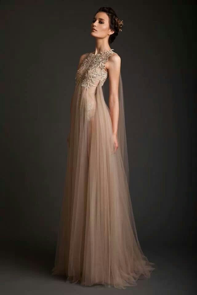Krikor Jabotian- this is just wow. Magnificent and the definition of ethereal and omg. This dress is as pretty as dresses can get :'D