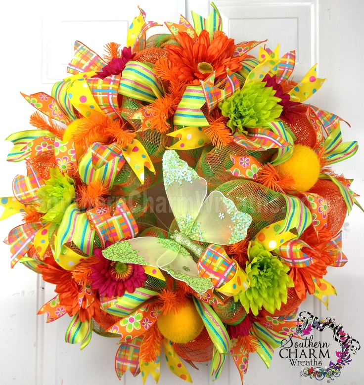 Vibrant Summer Deco Mesh wreath by www.southerncharmwreaths.com #decomesh #summer #wreath #orange