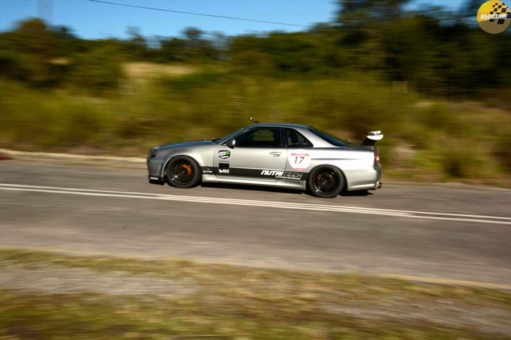 SIlver streaks... Quinsley Sale #Nissan Skyline R34 GT-R #JaguarSHC #Vamedias #IG @VamediaStudios #FilmProduction #HillClimbRacing @My_Octane Stills by @cousinphotos #MyOctane