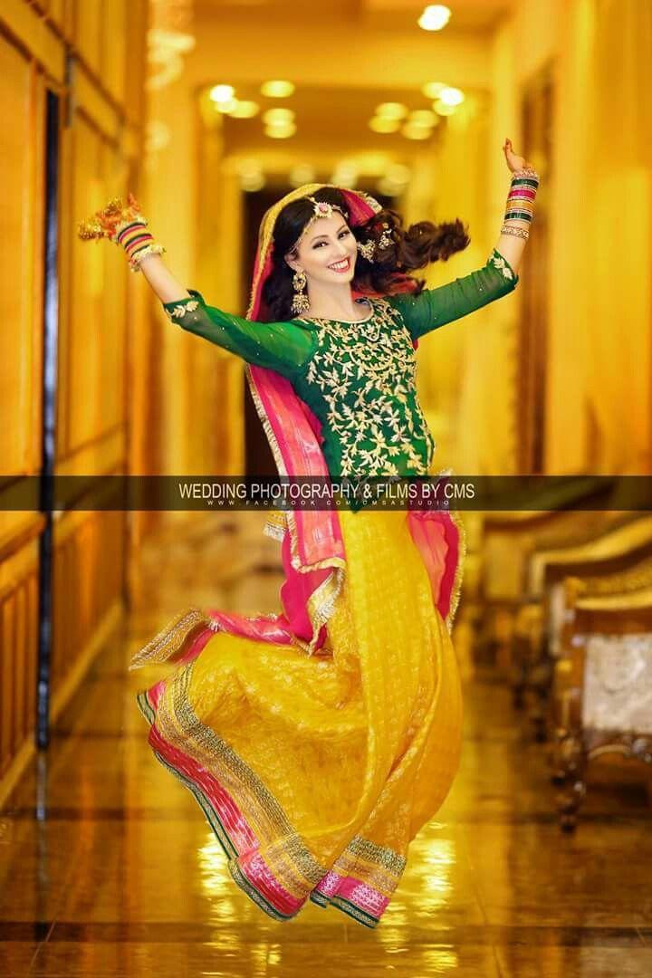 Bridal Mehndi Clothes Uk : Pin by bint ijaz on pakistani bridals pinterest mehndi