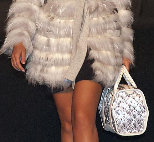 Crystal Bag white balloons at Caserta Fashion Awards www.federicalunello.com
