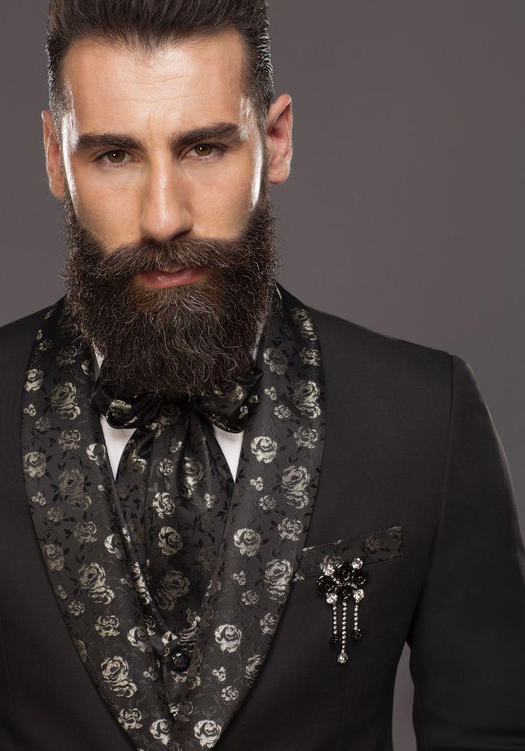 New ADV'18 Ph. Alex Belli Siamo lieti di annunciarvi che è appena uscita la mia nuova campagna Petrelli Uomo Ala Cerimonia 2018. Un grazie a tutte le persone che hanno lavorato in questo nuovo progetto.  Testimonial Simone Susinna (finalista Isola 🌴 dei famosi)  #influencer #star #artist @Gianlucadisotto #petrelli #testimonial  #axb #campaign #suits #uomo #wedding #man #fashion #collection2018  Concept #AXBstudio post production @theblackb M.U.A &Hair @alessandrofilippi_