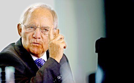 Finanzminister Wolfgang Schäuble hat Glück: Die Steuern sprudeln -  Obwohl Bundesfinanzminister Wolfgang Schäuble (CDU) auch die nächsten Jahre ohne neue Schulden plant, sieht er auch Spielraum für Milliarden-Investitionen in Deutschland. http://www.stuttgarter-zeitung.de/inhalt.bundeshaushalt-2016-mehr-geld-fuer-die-entwicklungshilfe.7b89d434-dc12-4694-aa75-18909b0439d1.html