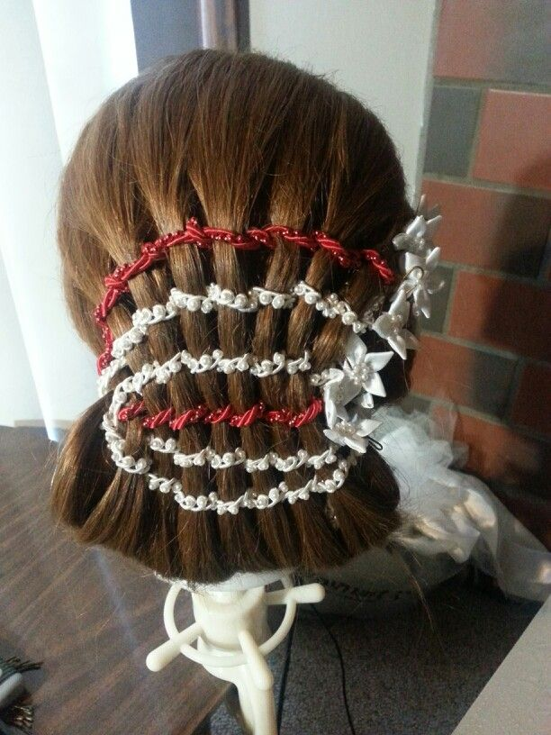 Colorful braid using stringed beads