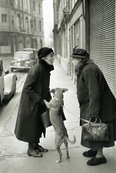 PARIS. 1952  \\ Henri Cartier-Bresson (22 août 1908 à Chanteloup-en-Brie - 3 août 2004 à Montjustin dans les Alpes-de-Haute-Provence) est un photographe français.