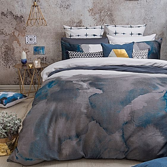 Accentuate the soft and moody timbre of your style with the delicacy of the sateen Vienna Quilt Cover Set from Bambury.