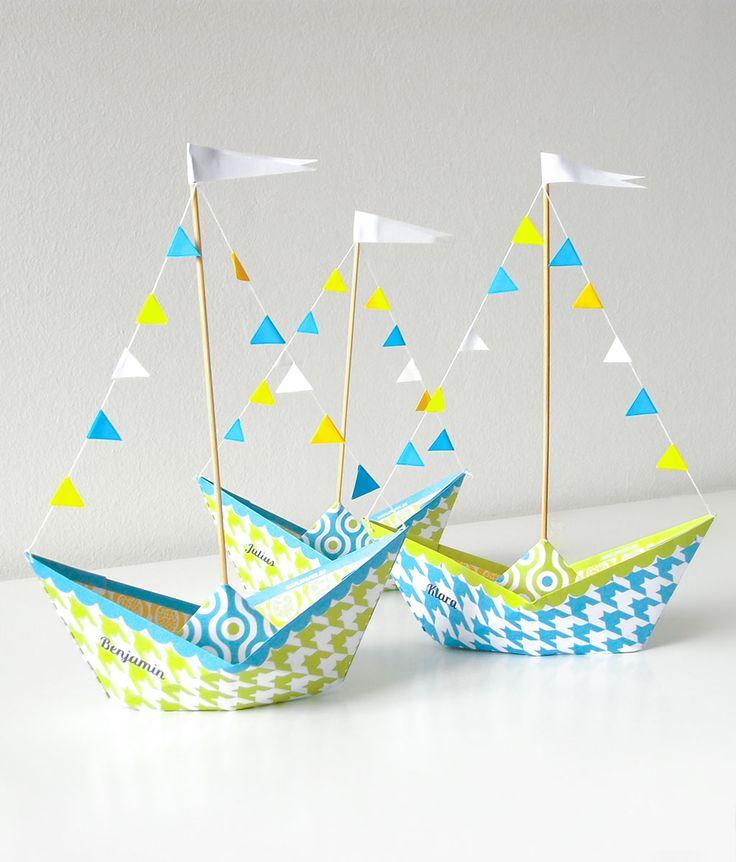 Papierboot Druckvorlage zum Basteln. Schöne Tischdeko für Kindergeburtstag.