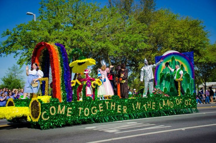 Springtime Tallahassee Parade Float 2013. Tallahassee Parks, Recreation and Neighborhood Affairs float. Unique and colorful! Wizard of Oz theme.