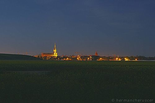 Nächtlicher Blick auf Greifswald