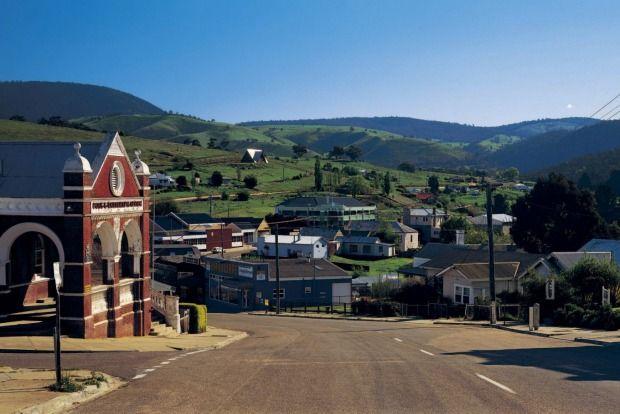 Great Alpine Road: Omeo, Victoria.Photo: Tourism Victoria