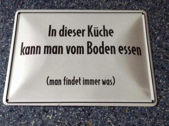 Vom_Boden_essen.jpg