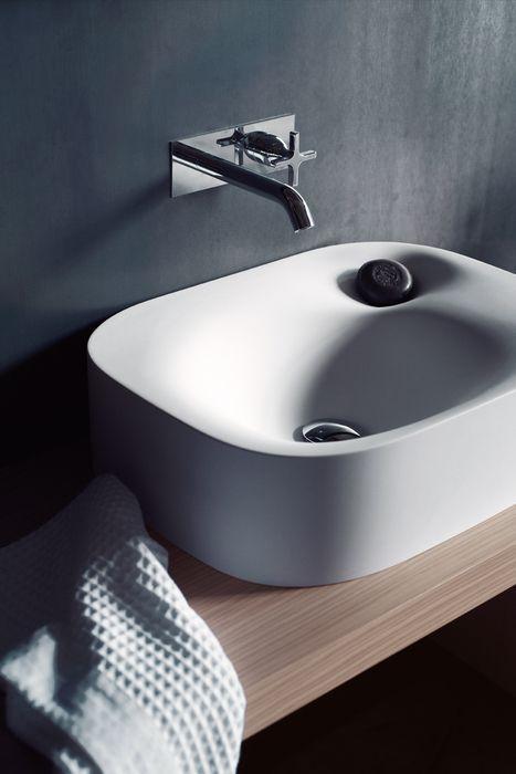 Bathroom Nivis washbasin (2010) by Andrea Morgante (Shiro Studio)
