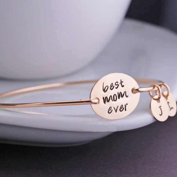 Christmas Gift for Mom Personalized Gold Best Mom Ever Bangle Bracelet by georgiedesigns