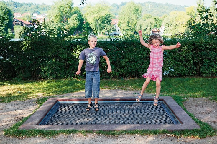 eibe fit Robust Floor Trampolinehttp://www.eibe.net/shop/item/106966/106963/0/667490/eibe-fit-robust-floor-trampoline.html#