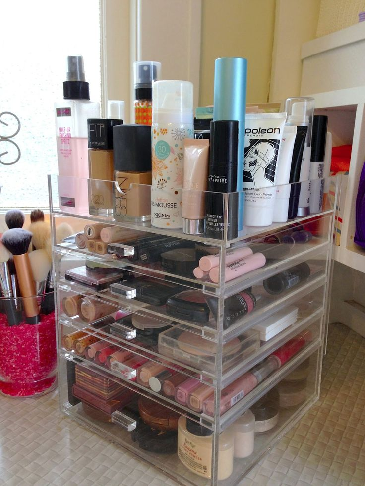 ❤Makeup Collection Organizer❤    {clear acrylic w/ drawers}