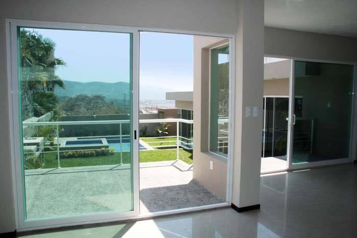 Vivir en una casa en Cuernavaca que no esté diseñada para aprovechar el clima y las hermosas vistas que ofrece esta ciudad, es no solo tirar el dinero, si no la oportunidad de gastarlo en una casa que si lo esté. #casaencuernavaca