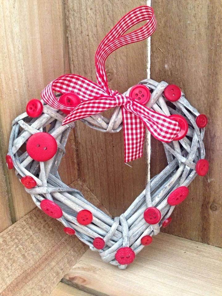 Shabby chic wicker heart wreath with buttons, makes a beautiful decoration for your home. Comes with gingham matching ribbon. Wicker heart is 15cm x 15cm Decorated with random buttons Free p+p Please share with friends and family