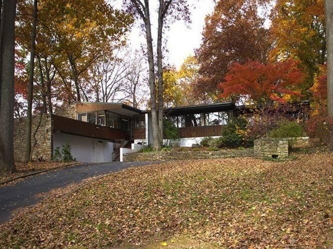 Richard Neutra's Pitcairn House is a very private, hidden mid-century masterpiece set on 10 conserved acres. Surrounding the property is the Pennypack Preserve...click for more