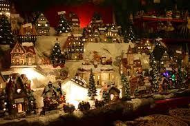 Risultati immagini per napoli presepe natalizio