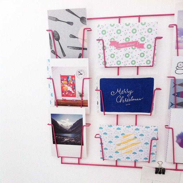 17 best ideas about porte carte postale on pinterest for Porte cartes postales mural