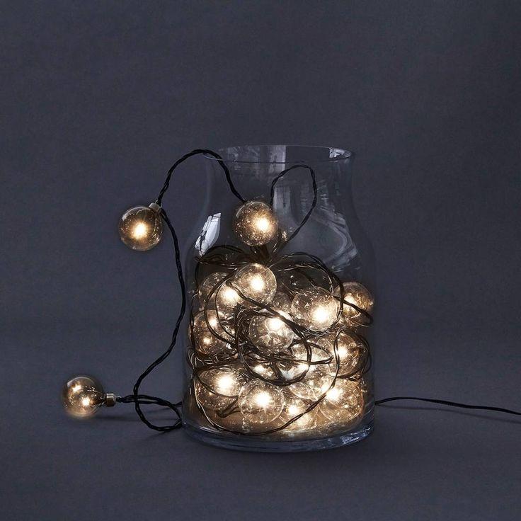 House Doctor light chain Ego met 24 lichtbollen en 14,2 mtr snoer is een echte…